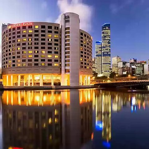 crowne-plaza-melbourne
