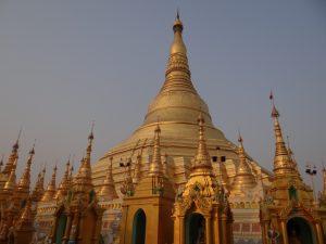 Dusk at the Shwedago Pagoda - Travel Indochina