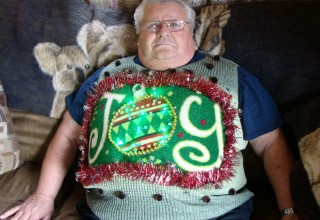 my-ugly-christmas-sweater-light-up-the-party