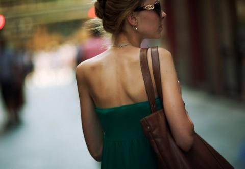 Female-exploring-city