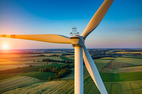 Wind-Turbine-at-Sunset
